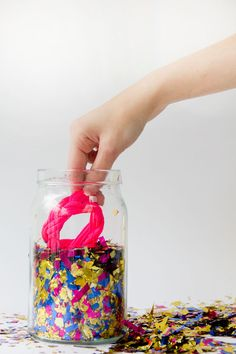 table decorations: confetti jar